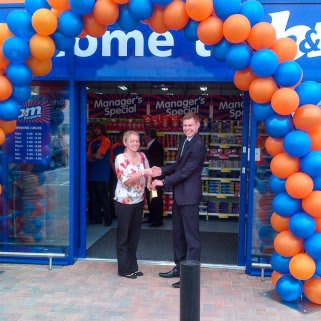 Our local hero Kelly Strudwick who has gratefully received £250 of B&M Vouchers.