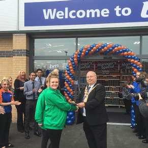 Wednesbury store opening by representatives from St. Giles Hospice and the Mayor Derek Rowley.