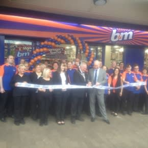 Mayor of Knowsley, Councillor Frank Walsh took part in the celebrations for the new store opening in Kirkby