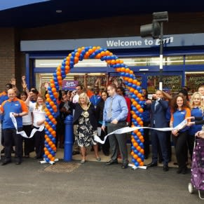 B&M's latest store was formally opened by Mayor of Haringey, Councillor Jennifer Mann and representatives from the charity Sense