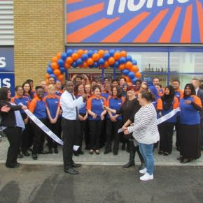 The store was opened by representatives from the Slough Homeless & Concern Charity, who also received £250 worth of B&M vouchers as a thank you.