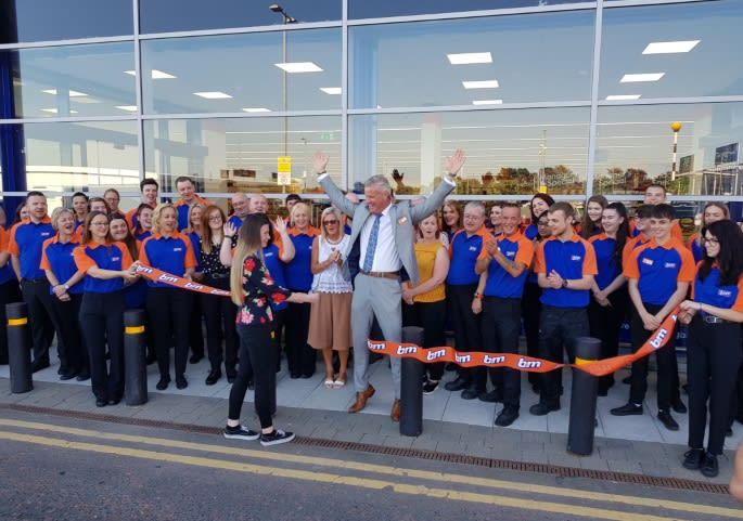 145-crescent-link-store-opening-ribbon