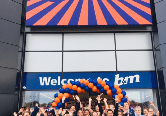 661-lichfield-store-opening-store-team.png