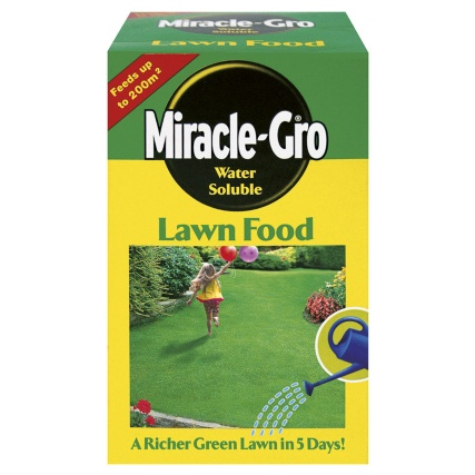 175132-Miracle-Gro-Water-Soluble-Lawn-Food-1kg
