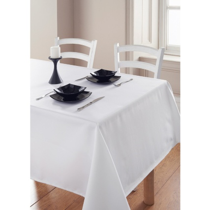 301287-Essentials-Tablecloth-White