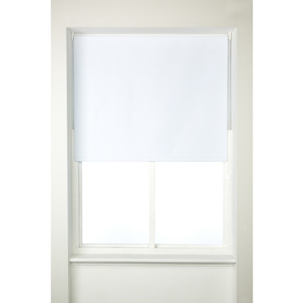 266990-BLACKOUT-WHITE-ROLLER-BLIND