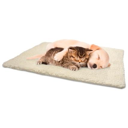350350-self-heating-snuggle-rug-cream