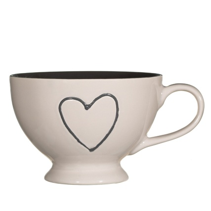 283818-Heart-Bowl-with-Handle-3