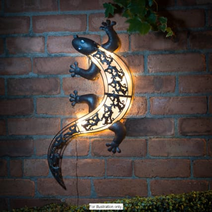 B Amp M Solar Light Gecko Wall Art 306999 B Amp M