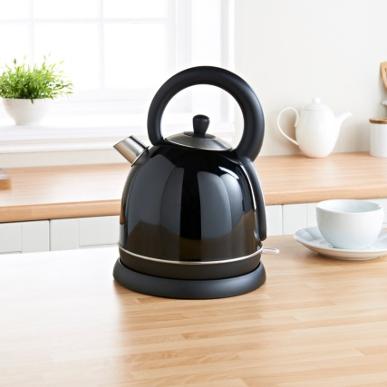 306693-prolex-tradional-kettle-black-lifestyle