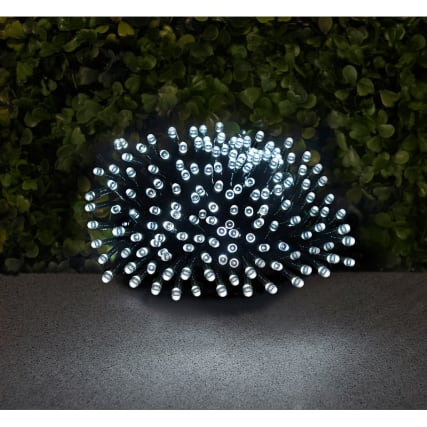 306883-cool-light-cluster-landscape-solar-string-lights-120-led
