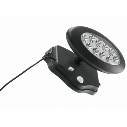 306948-TWIN-HEAD-SOLAR-POWERED-SECURITY-LIGHT-CLOSE-UP