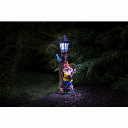 307140-gnome-with-solar-lamp-post-4