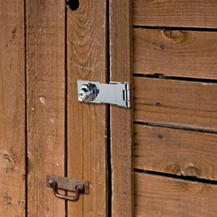 308635---PADLOCKS---177MM-LOCKING-HASP---in-use