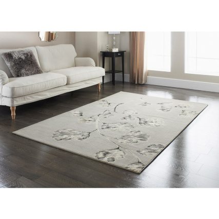 http://www.bmstores.co.uk/images/hpcProductImage/imgDetail/310817-310818-Silver-clover-rug-21.jpg
