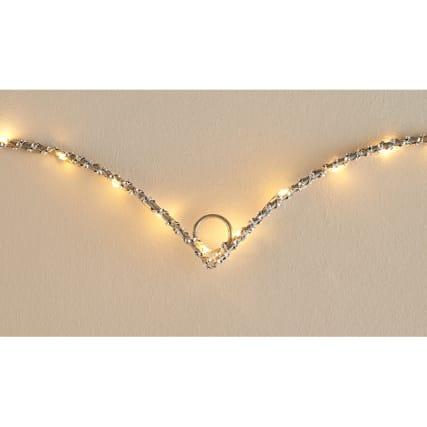 315995-Glitz-hanging-heart-Close-up