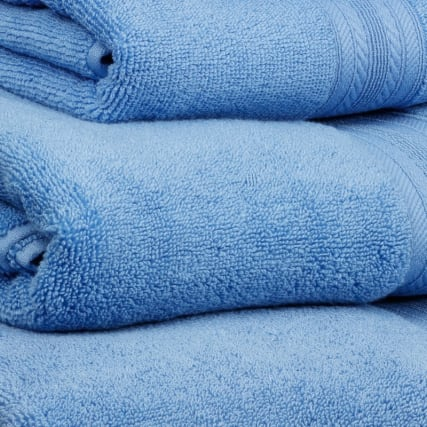 317262-328684-317264-317265-Signature-Zero-Twist-cornflower-towels-2