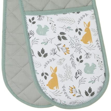 320867-karina-bailey-traditional-double-oven-glove-woodland-2