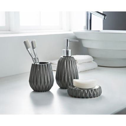 323128-Jagged-Edge-3Pc-Bathroom-set-Grey