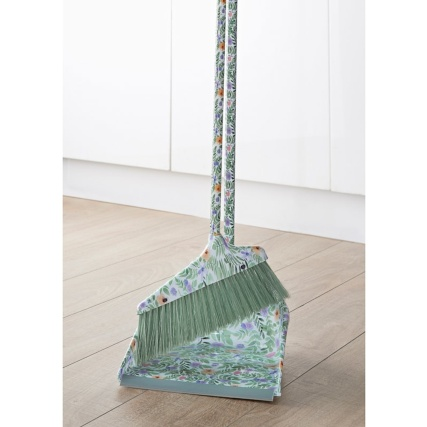 331052-dustpan-and-brush-set-floral
