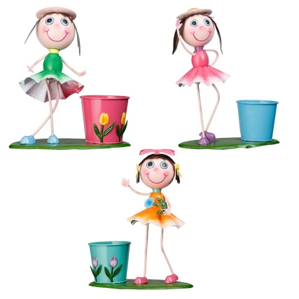 331463-dancing-kid-with-plant-pot-main