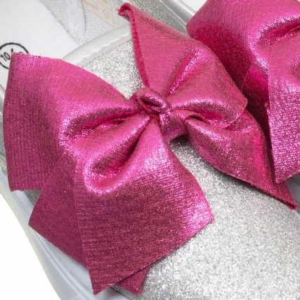 334143-older-girls-bow-canvas-pink-bow-3