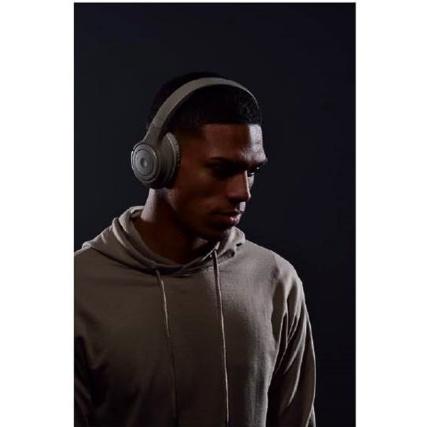 334649--goodmans-studio-bass-headphones-2