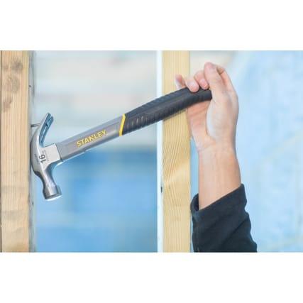 337829-Stanley-16oz-hammer-hand