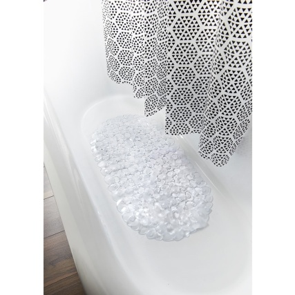 339221-bath-mat-and-shower-curtain-triangle-geo