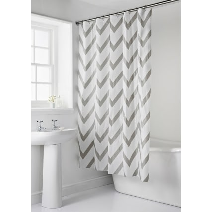 339221-shower-curtain-and-shower-mat-chevron.jpg