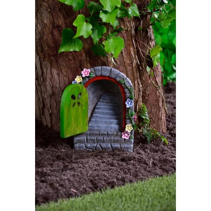342064-solar-resin-fairy-door-with-staircase-green-2