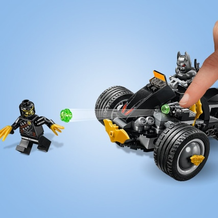 344314-lego-super-heroes-batman-attack-of-talons-1