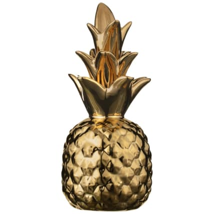345578-golden-pineapple