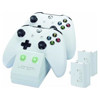 348997-xbox-one-white-twin-battery-pack-and-stand