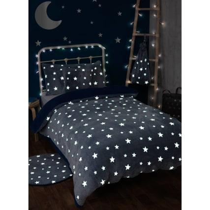349350-navy-stars-glow-in-the-dark-fleece-bedding--with-sherpa-reverse-3.jpg