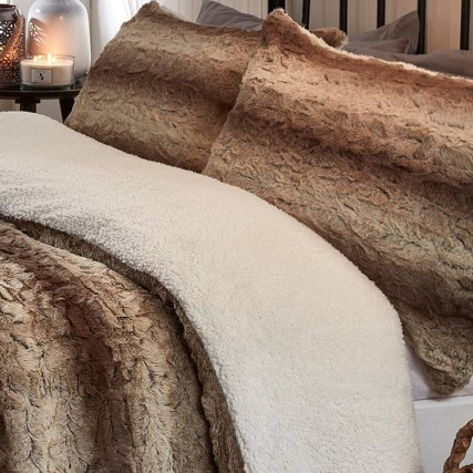 349421-349423-brown-faux-fur-duvet-set-with-fleece-reverse-2.jpg