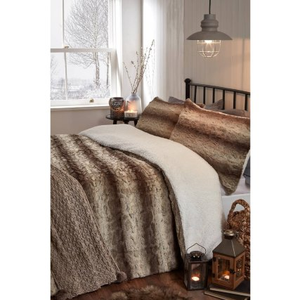 349421-349423-brown-faux-fur-duvet-set-with-fleece-reverse.jpg