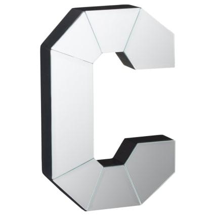 351000-mirrored-letters-c.jpg