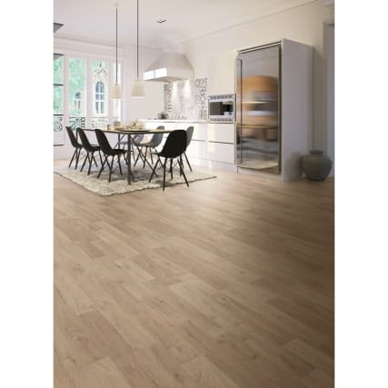351017-selwood-oak-effect-laminate-flooring
