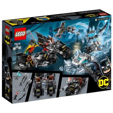 351532-lego-dc-mr-freeze-batcycle-battle