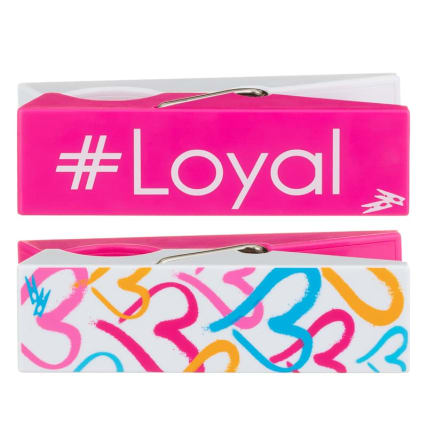 351637-love-island-logo-beach-pegs-loyal-group-21.jpg