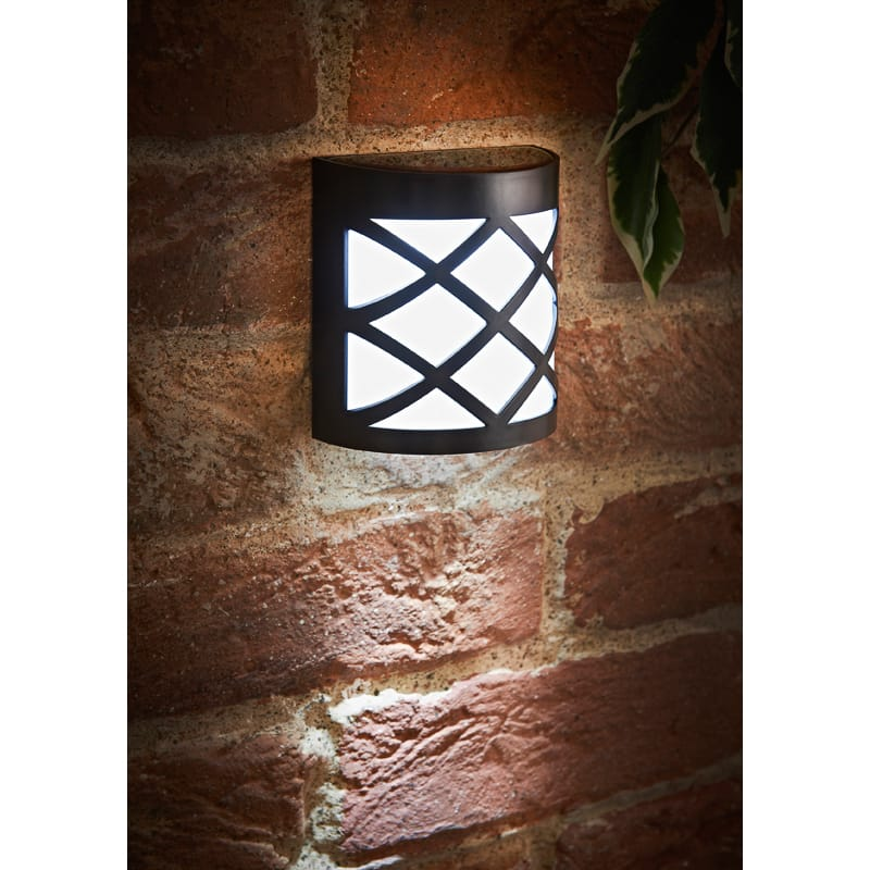 Criss Cross Solar Wall Lights 4pk