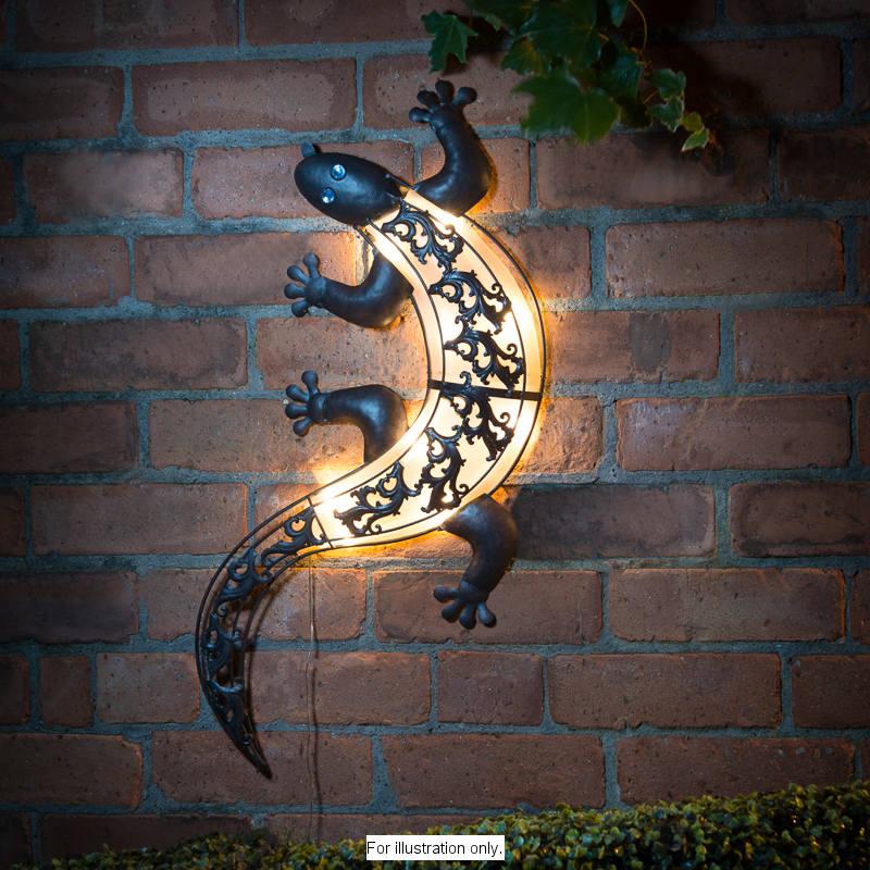 B&M Solar Light Gecko Wall Art - 306999 | B&M