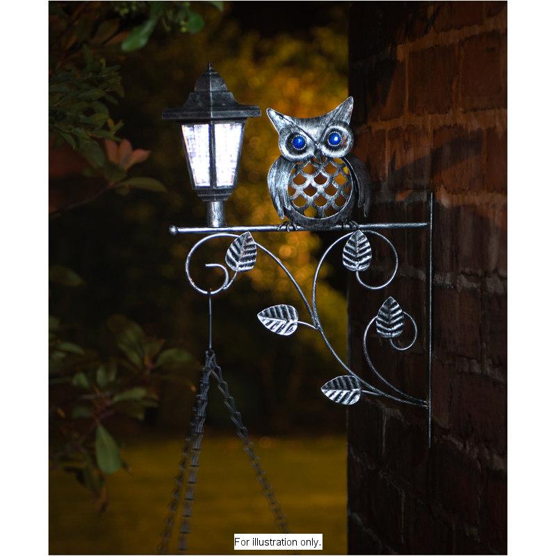 B Amp M Gt Owl Hanging Basket Bracket With Solar Light