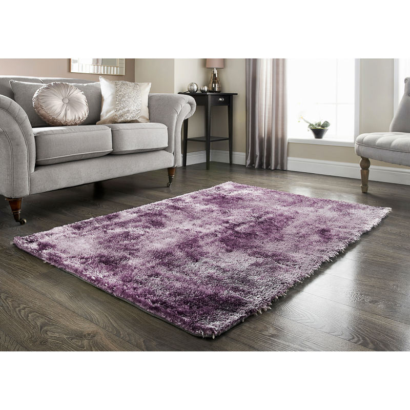 B&M: > Feather Touch Rug 110 X 160cm
