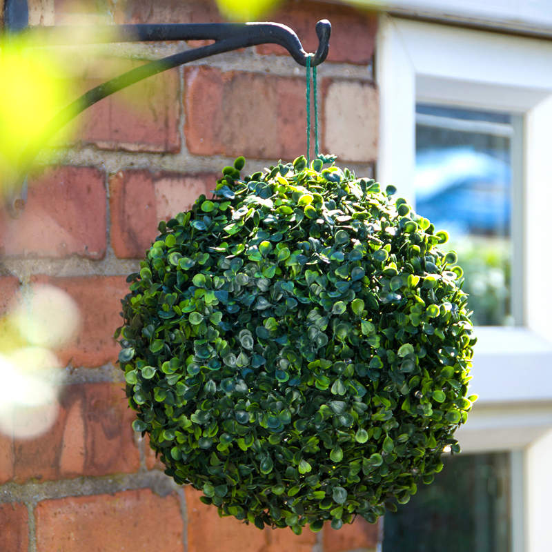 Solar Powered Topiary Ball 28cm Garden Decorations