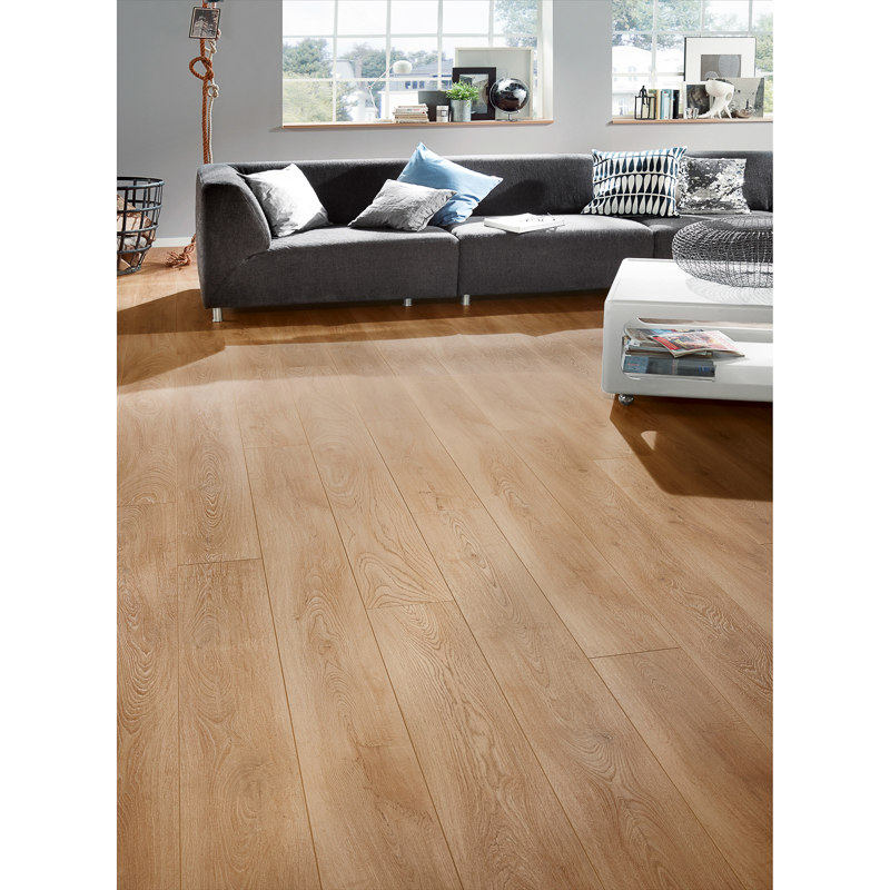 Cheap Flooring Stores: Whinfell Oak Effect Laminate Flooring 1.73sqm Pack
