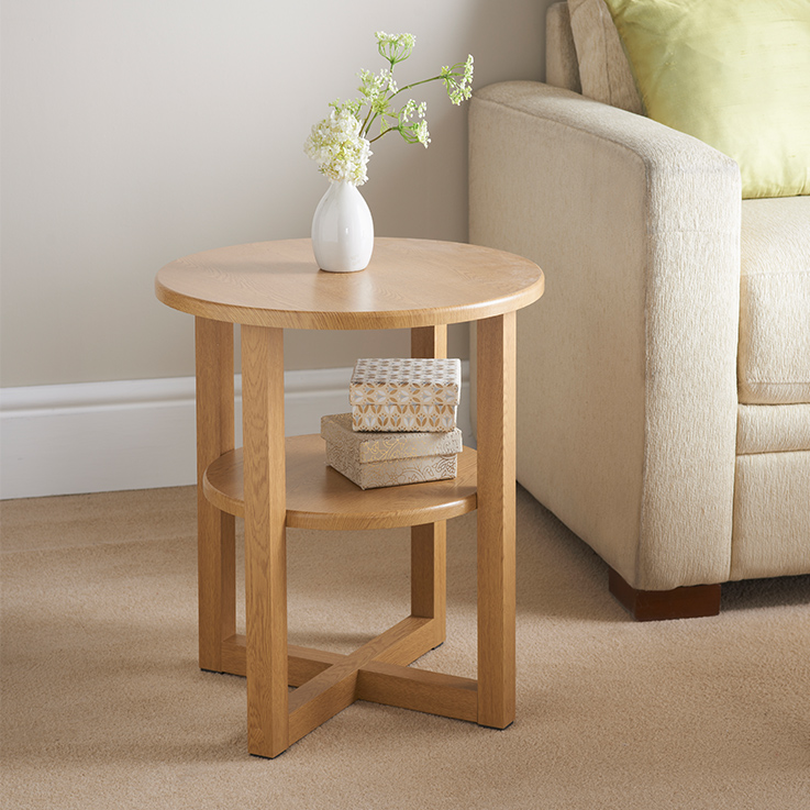 Merveilleux 315373 Milton Side Table Oak Finish