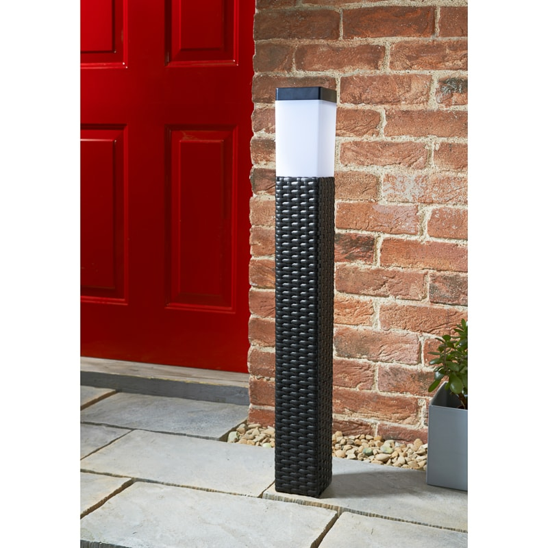 venice tall solar rattan post light garden b m