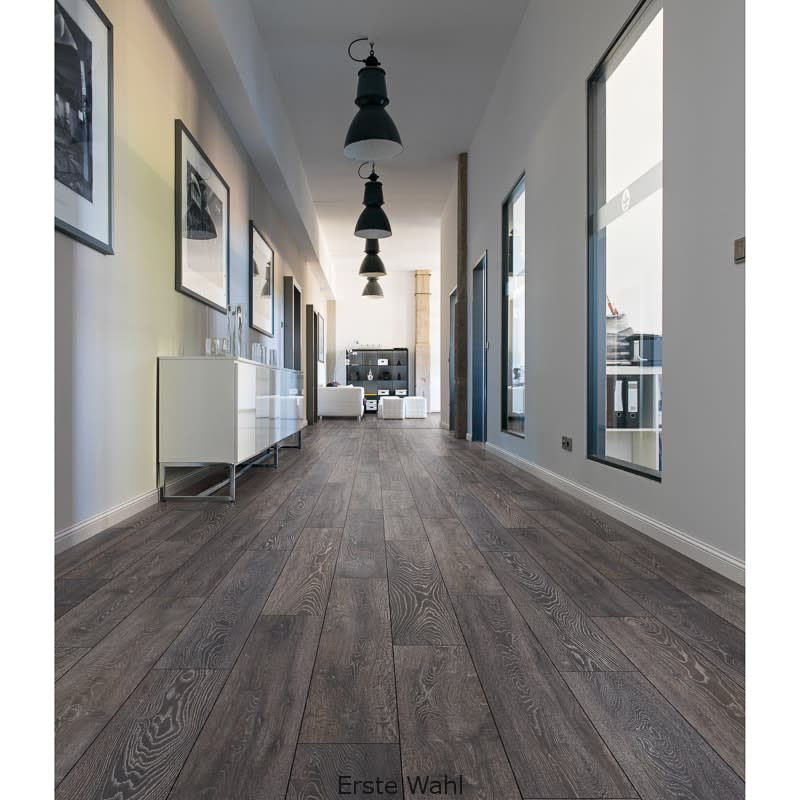Ashdown Oak Effect Laminate Flooring 222m Home Bm